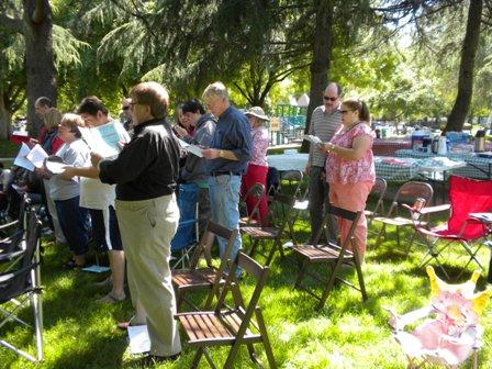 1_HRLC_2011_worship_and_picnic_043.JPG